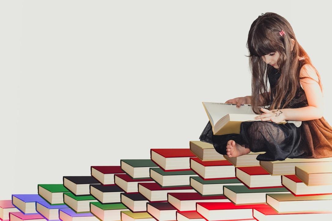 TFG joven leyendo