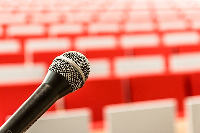 microphone-2775447_1280